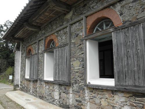 大野教会窓