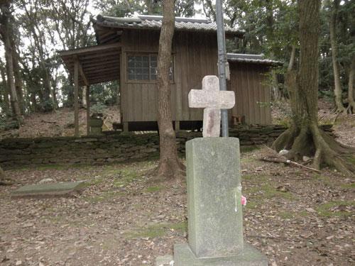 枯松神社境内の墓石
