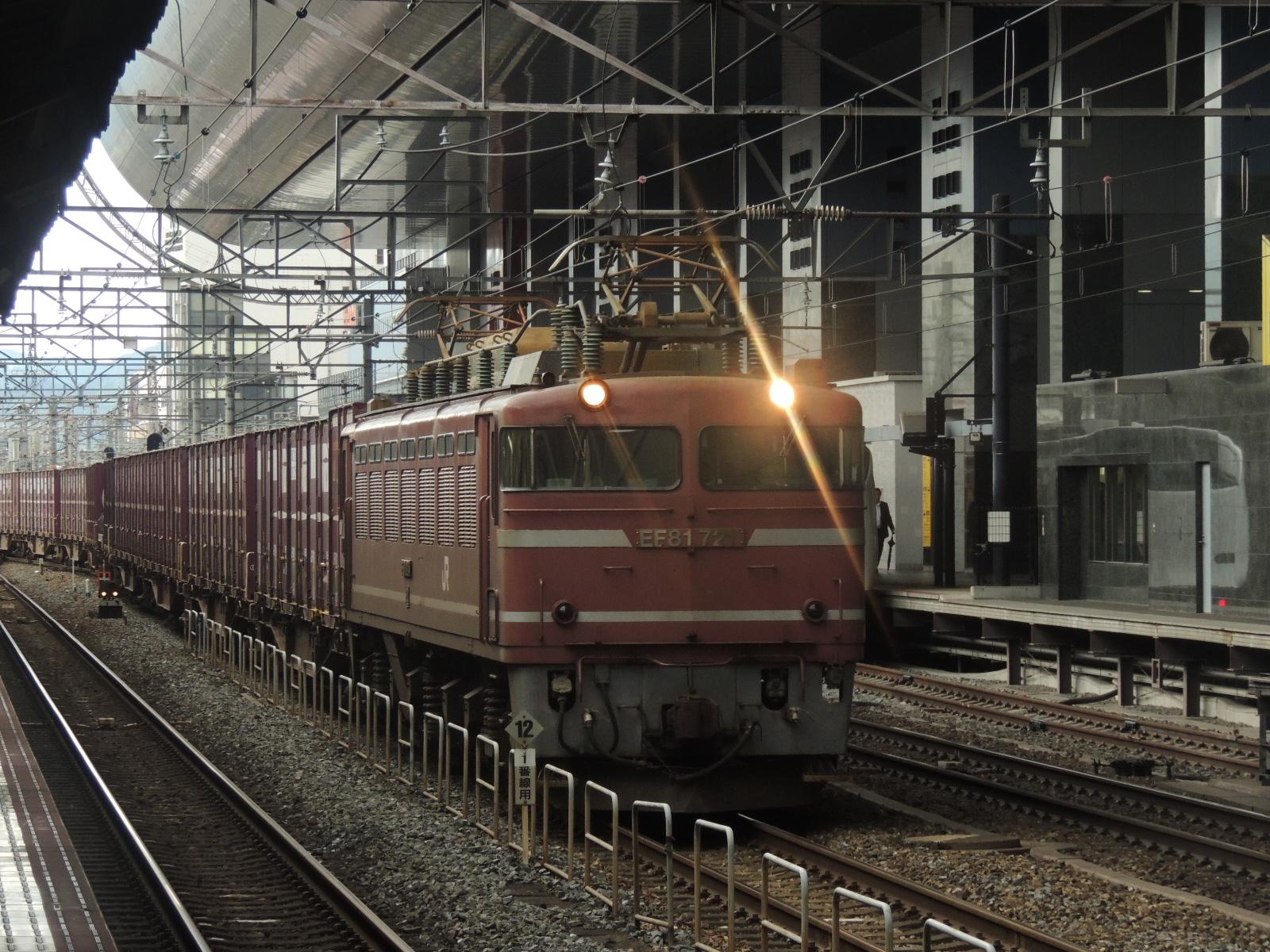 EF81-721号機貨物 京都 (3)