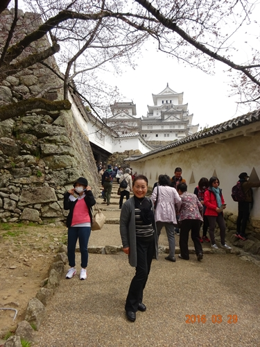 DSC04990姫路城をバックに記念撮影