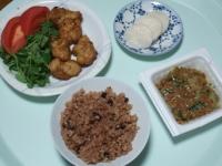 10/7 昼食 鶏から揚げ、納豆、べったら漬け、寝かせ玄米