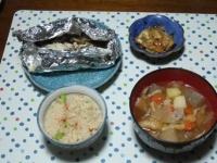 10/16 夕食 秋鮭ときのこのホイル焼き、松前白菜、豚汁、桜えびの炊き込みご飯