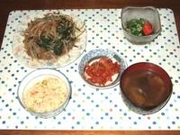 10/20 夕食 牛肉ニラもやし炒め、もずく酢、キムチ、きのこと油揚げの味噌汁、寝かせ玄米
