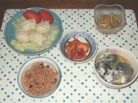 10/22 夕食 イカしゅうまい、中華クラゲサラダ、ギョーザ入りわかめスープ、寝かせ玄米