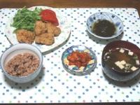 11/15 夕食 鶏から揚げ、もずく酢、キムチ、味噌汁、寝かせ玄米
