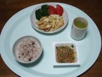 11/20 納豆、おさかなソーセージの玉子炒め、雑穀ごはん