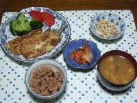 11/20 夕食 いわしのピカタ、こんにゃくの白和え、キムチ、しめじと油揚げの味噌汁、寝かせ玄米