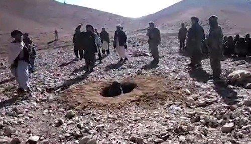 20151123不倫」理由に女性を石打ちで殺害アフガニスタン