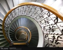 らせん階段②