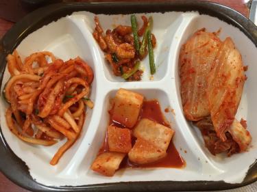 韓国の食卓では欠かせないキムチ。