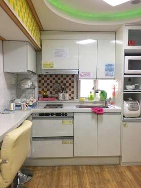 共同施設の1つである台所。