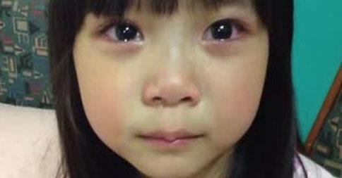 涙の2歳の少女