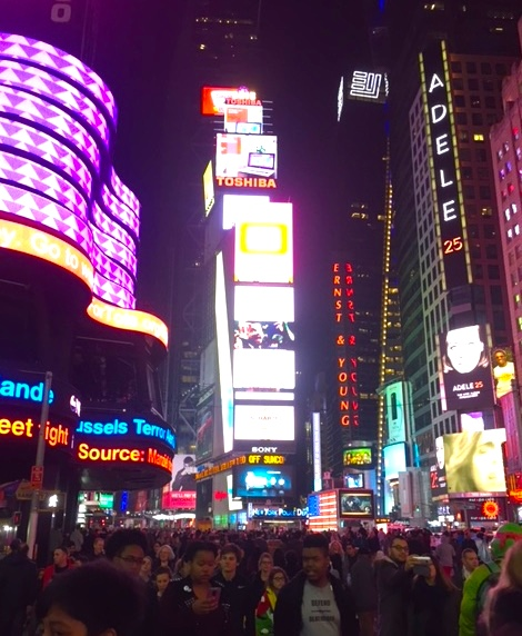 citycrowdedonthanksgiving.jpg