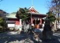 社殿の屋根は富士山を形どっているとか