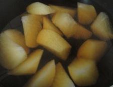 大根とさつま揚げの煮物 調理①