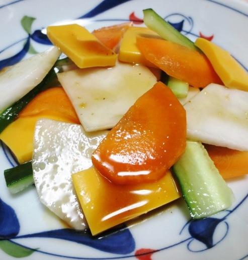 カブとチーズのサラダ B