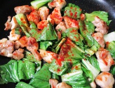 鶏もも肉のパプリカ胡麻ラーユ炒め 調理⑤