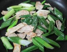 わかめと豚肉の炒め物 調理②