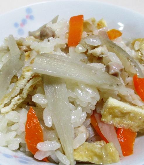 鶏ごぼうの炊き込みご飯 B