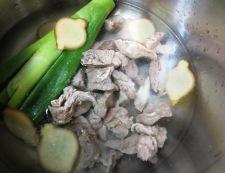 牛すじ焼き豆腐 調理①