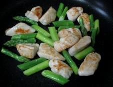 鶏ささみとアスパラの炒め物 調理④