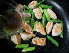 鶏ささみとアスパラの炒め物 調理⑤