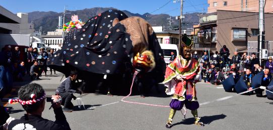 飯田お練り祭り・東野大獅子