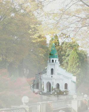 300x375靄の中の教会