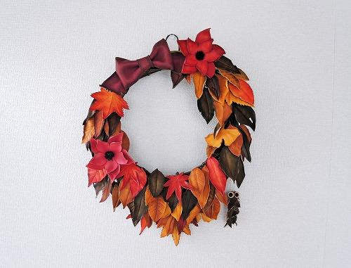 枯葉と紅葉のリース1