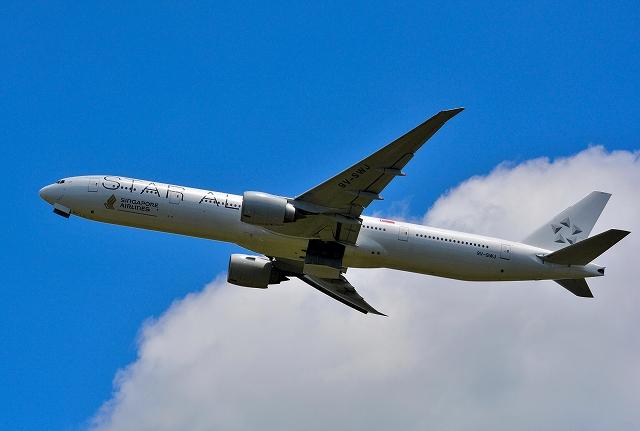 スターアライアンス塗装機シンガポール航空B77Wホワイトエンジェル - 東葛飾航空。