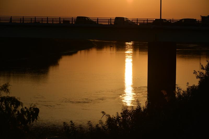 橋に沈む-1