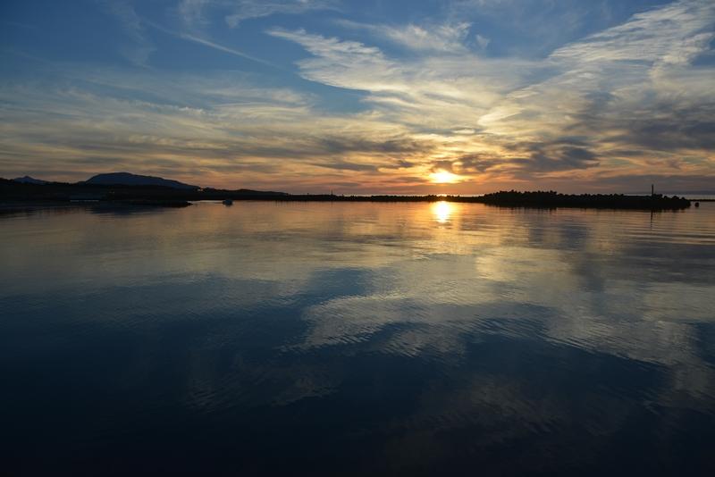 新川港の夕陽-2