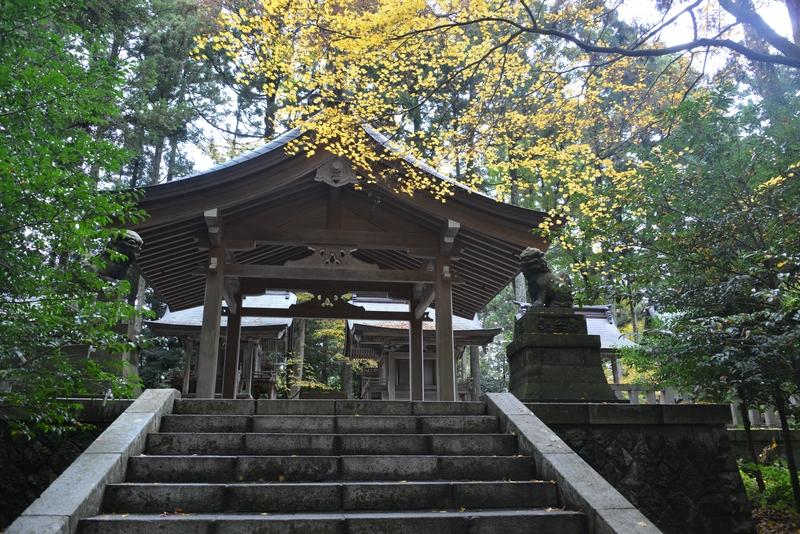 神社の一コマ-4