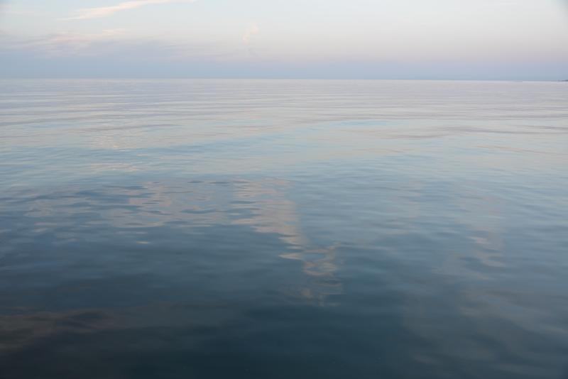 静かな波-1