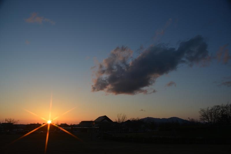 公園の夕暮れ 雲-1