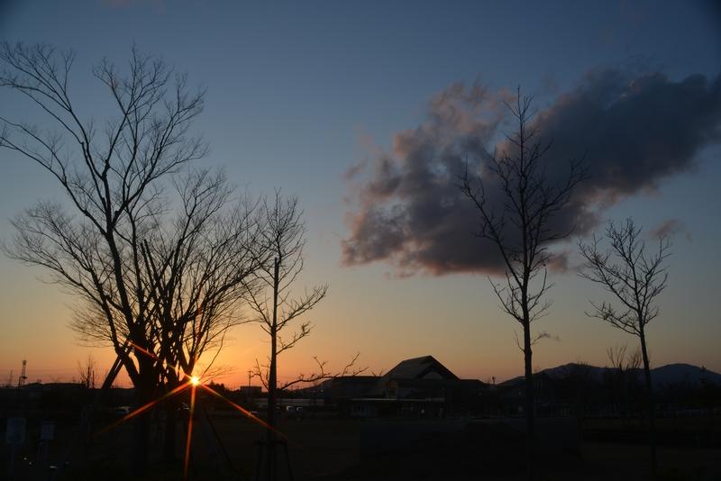 公園の夕暮れ 雲-2