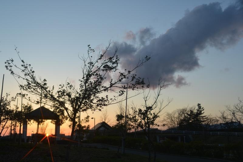 公園の夕暮れ 雲-3