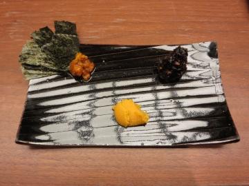 左から、蟹漬け・袈裟丸印しお雲丹・蕎麦味噌