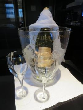 スパークリングワインフルボトル