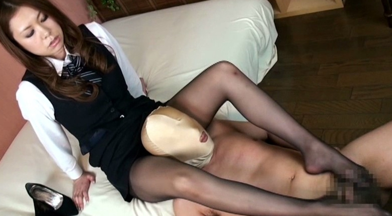 エロエロお姉さんのマットなパンストで足責め&足コキ DX4時間の脚フェチDVD画像3