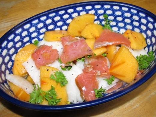 IMG_白カブと柿のスモークサーモンサラダ