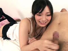 包茎LOVEな痴女っ娘がチンポで遊びで大量射精させちゃいます!前田陽菜