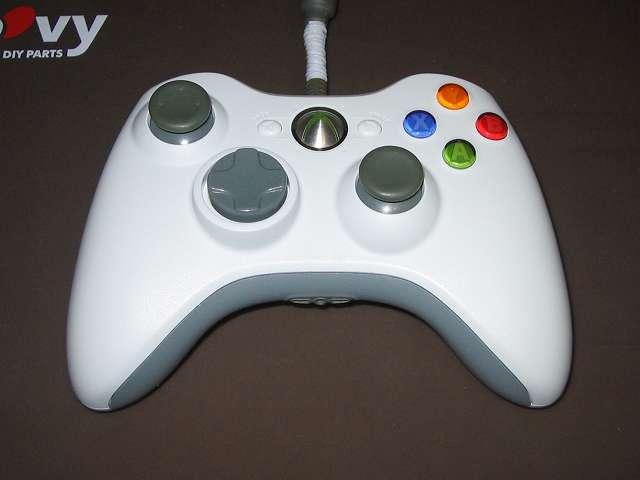 Xbox 360 コントローラー (ホワイト) 黄ばみ取り完了後、組み直した Xbox 360 コントローラー