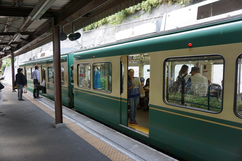 行きかう電車_2