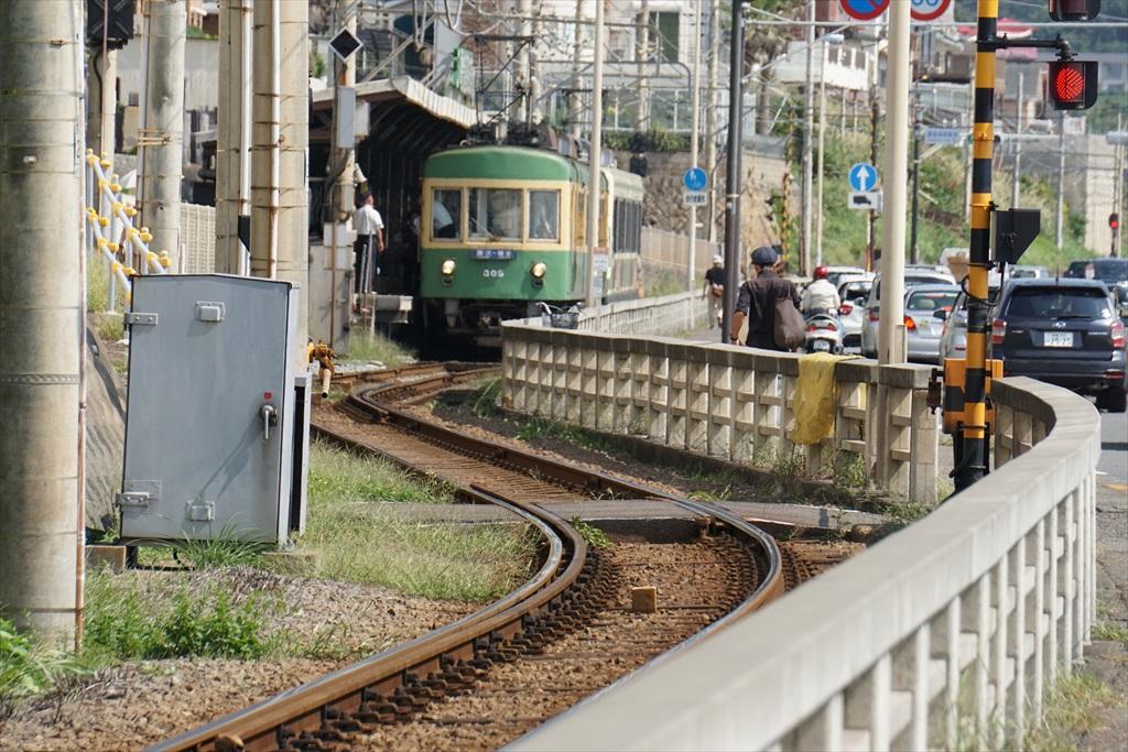 鎌倉高校前駅が近くなってきた_1