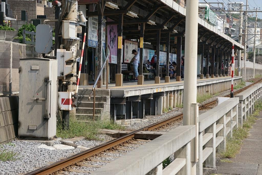 鎌倉高校前駅が近くなってきた_3
