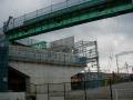 151107橋本小金川踏切の頭上に新橋の工事