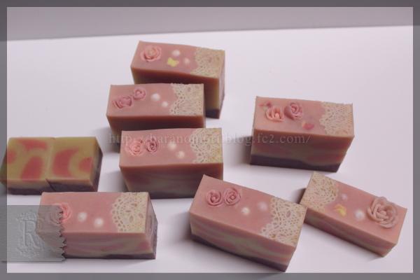 手作り石鹸 薔薇 ローズヒップオイル シアバター バラづくしの石鹸 20151121