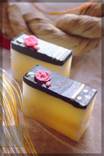 お正月 手作り石鹸 椿油 市松模様 竹炭 フラワーコンフェティ 20151117