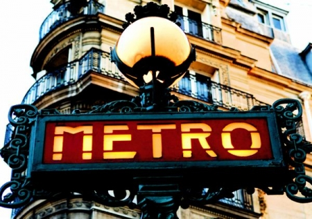 Paris_Old_Metro_Signboard.jpg